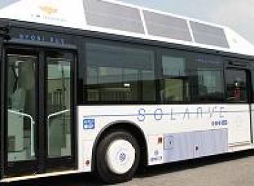 Japonijoje – pirmasis autobusas su saulės baterijomis