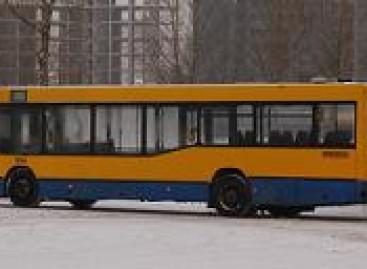 """""""Vilniaus autobusai"""" parduoda skolas"""
