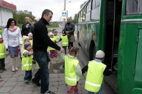 Ekologiški troleibusai vaikams – lyg sraigės