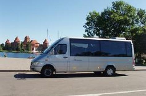 Mažieji autobusų parkai renkasi mikroautobusus