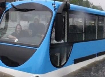 Amsterdame – plaukiojantys autobusai