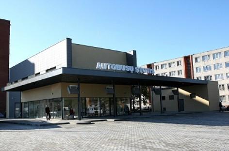 Duris atveria atnaujinta Tauragės autobusų stotis