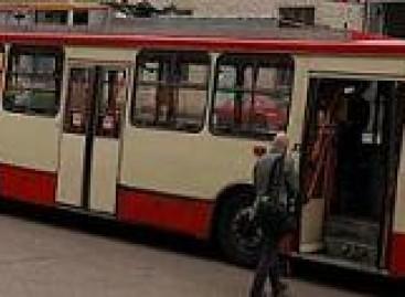 Vilniečiai gali lipti pro visas viešojo transporto duris