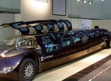 """""""Superbus"""" vežioja arabų šeichus"""