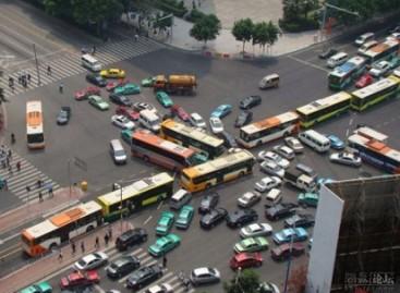 """Autobusų """"kamščiai"""""""