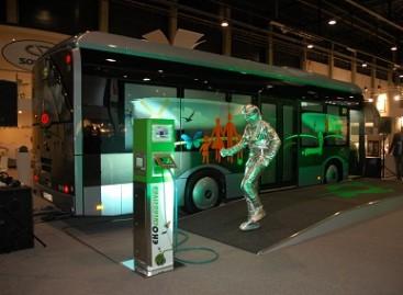 Barselonos TMB pristatė elektrinius autobusus