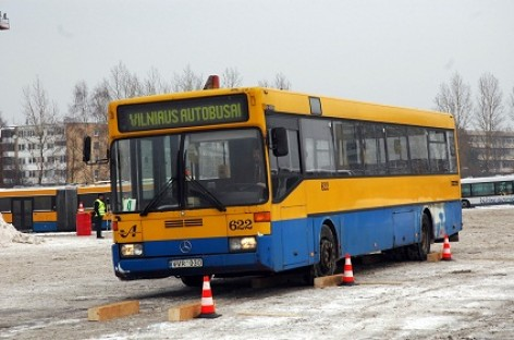 Autobusų vairuotojai Nepriklausomybės dieną paminėjo varžybų trasoje