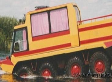 Autobusas – ant šarvuočio važiuoklės