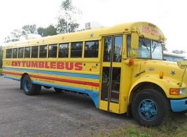 Autobusas, kuriame galima žaisti krepšinį