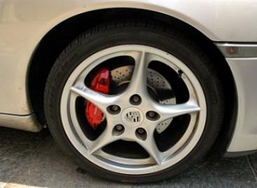 Padangos automobiliams… iš kiaulpienių