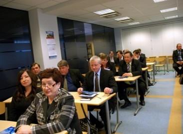 """Regioniniame pasitarime – apie """"Linavos"""" bei keleivinio transporto problemas"""