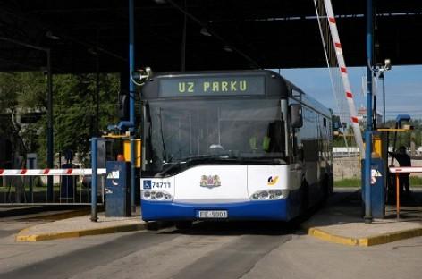 """Rīgas satiksme"" pirks ""Solaris"" autobusus"