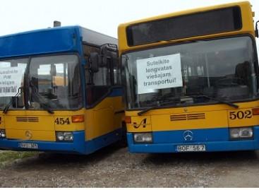 Viešojo transporto darbuotojai piketavo prie Seimo