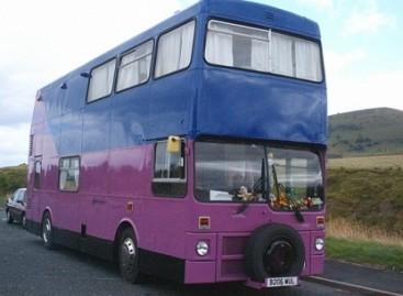 Britai vis dažniau namus įsirengia autobusuose