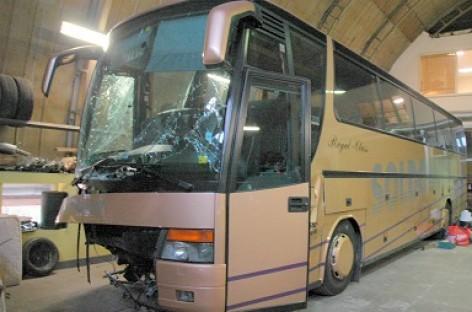 Kinijoje išbandyta avarinio išlipimo iš autobuso sistema