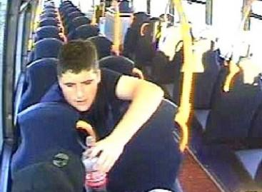 Keleivis užkandžiavo…  autobuso sėdyne