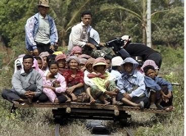 Į kelionę – bambukiniu traukiniu