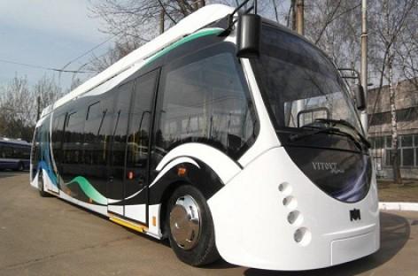 """""""Belkommunaš"""" pademonstravo naują hibridinį autobusą"""