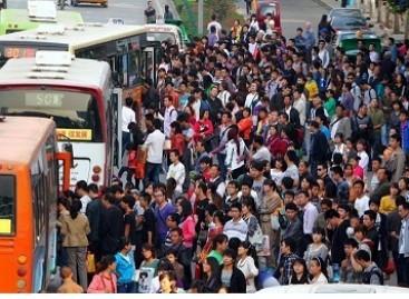 Penktadienis Kinijos autobusų stotyje