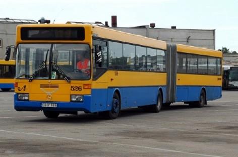 Vilniuje aštuoniais viešojo transporto maršrutais kursuos daugiau transporto priemonių