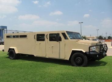 "Šarvuotas ""Hummer"" limuzinas"