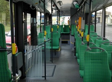 Autobusų bilietus pardavinės lėktuvuose