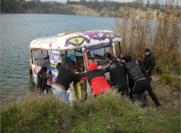 Autobusas – į povandeninį transporto muziejų