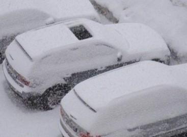 Kas nutinka, kai žiemą pamiršti uždaryti automobilio liuką?