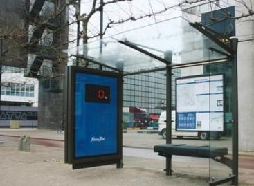 Autobusų stotelės primena: metas į sporto klubą