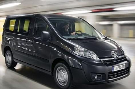 """""""Toyota"""" pristatė Europos rinkai skirtą mikroautobusą"""