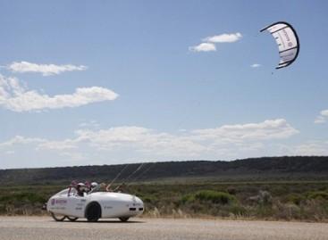 Australijos keliais – vėjo energija varomas elektromobilis