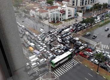 Įdomūs faktai apie automobilių spūstis