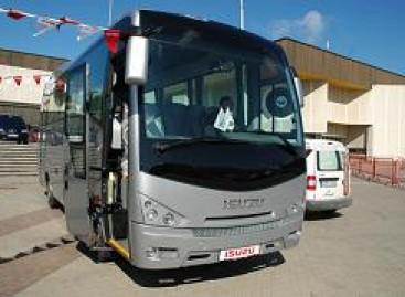 Rusai saugiausiomis transporto priemonėmis laiko autobusus