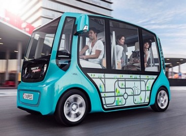 Ženevoje pristatytas autobusas,  skirtas važinėti pusiau stačiomis