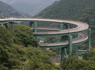 Kawazu Nanadaru – kilpinis Japonijos tiltas