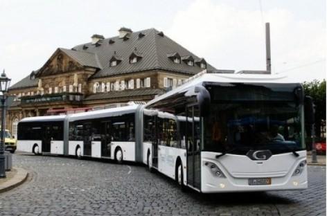 Hanoveryje pristatomas ilgiausias pasaulyje autobusas