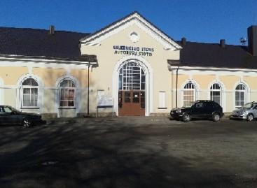 Kretingos autobusų stotis persikėlė į geležinkelio stotį