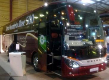 """Parodoje """"Auto 2013"""" – ir autobusai"""