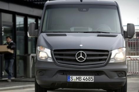"Pradėtas gaminti atnaujintas ""Mercedes-Benz Sprinter"""