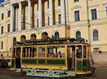 Helsinkio gatvėse – šimtamtis tramvajus