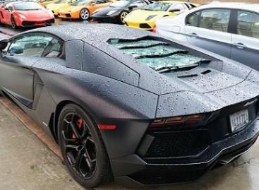 "Kaip dega prabangus ""Lamborghini Aventador""?"