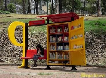 Biblioteka – autobusų stotelėje