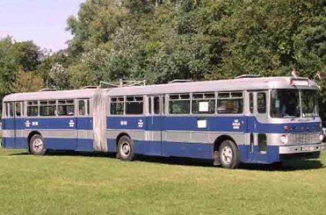 Iki transporto muziejaus – retro autobusu