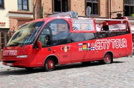 Galimybė apžiūrėti Kauną – važiuojant atviru autobusu