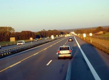 Prancūzijoje žadama didinti mokestį už kelius