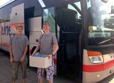 Vežėjai gelbsti autobusų keleivius nuo karščio