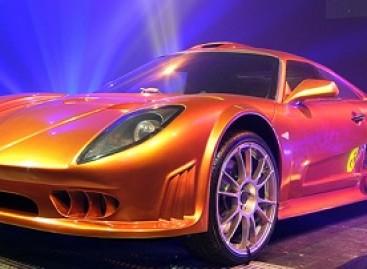 Britai pristatė greičiausią serijinį superautomobilį pasaulyje