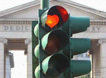 Milane pasirodė romantiški šviesoforai
