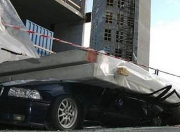 Kas lieka iš BMW, ant jo užkritus betoninei plokštei?