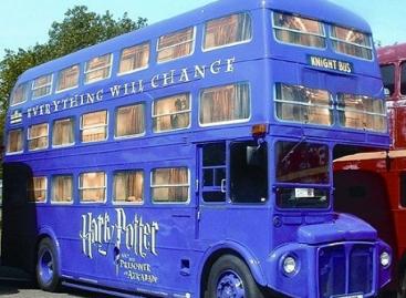 Triaukštis Londono autobusas